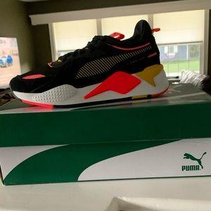 Brand new PUMA running sneakers